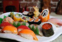 10 món ăn nhất định phải thử khi đến Nhật Bản - Ảnh 1.