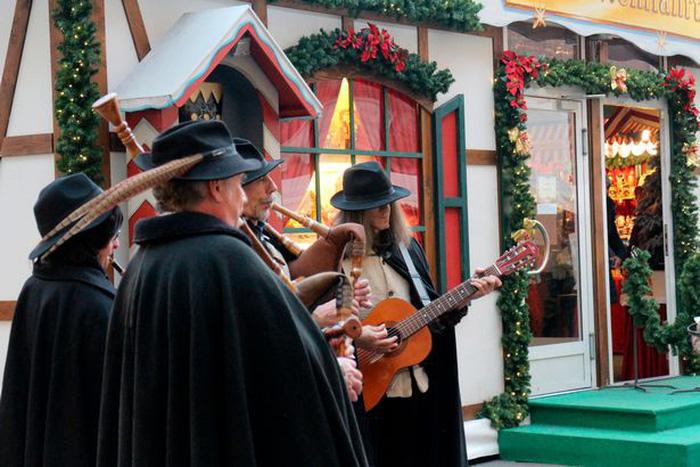 Những khu chợ Giáng sinh tuyệt nhất châu Âu - Ảnh 8.