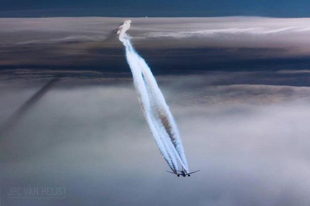 Instagram của phi công này sẽ giúp bạn mường tượng ra làm việc ở độ cao 11.300m trông như thế nào - Ảnh 1.