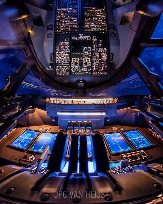 Instagram của phi công này sẽ giúp bạn mường tượng ra làm việc ở độ cao 11.300m trông như thế nào - Ảnh 2.