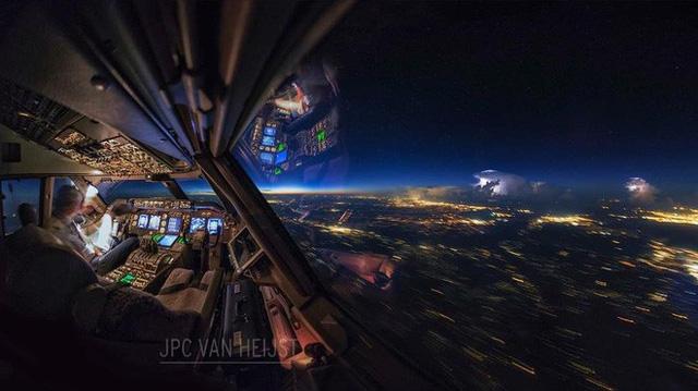 Instagram của phi công này sẽ giúp bạn mường tượng ra làm việc ở độ cao 11.300m trông như thế nào - Ảnh 4.