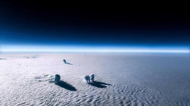 Instagram của phi công này sẽ giúp bạn mường tượng ra làm việc ở độ cao 11.300m trông như thế nào - Ảnh 7.