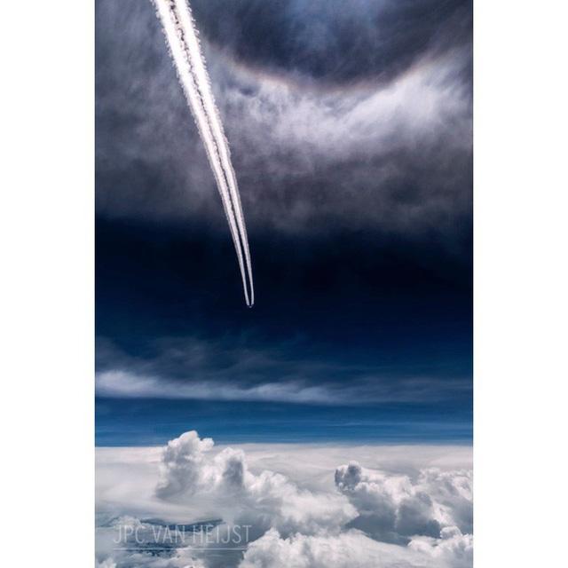 Instagram của phi công này sẽ giúp bạn mường tượng ra làm việc ở độ cao 11.300m trông như thế nào - Ảnh 8.