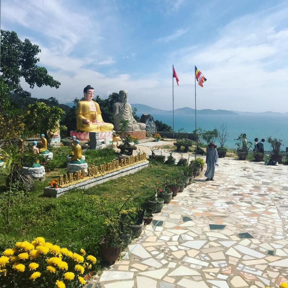 Khung cảnh thiên nhiên ở chùa Đa Bảo. (Ảnh: pham_khue)