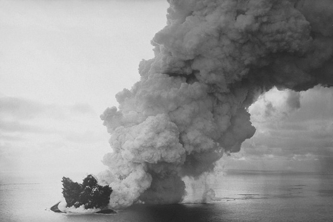 Đảo núi lửa Surtsey: Cấm địa kỳ bí của giới khoa học ngoài khơi Iceland, đến năm 1963 mới được phát hiện - Ảnh 1.
