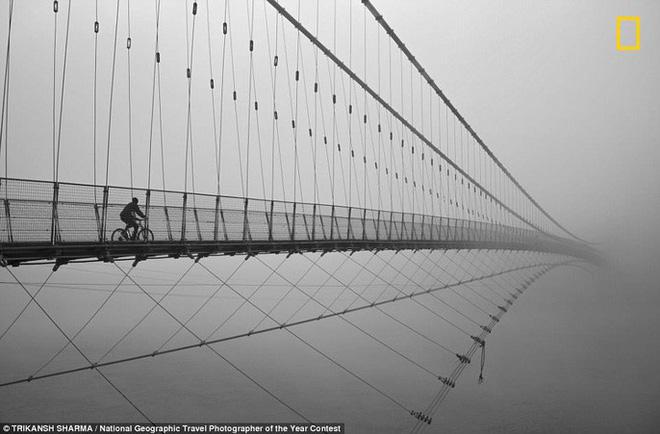 Chiêm ngưỡng loạt ảnh ấn tượng, thực ảo khó phân định tại National Geographic Travel Photographer 2018 - Ảnh 5.
