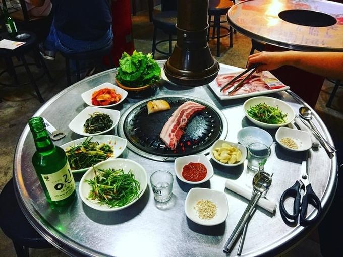 Những điều bị coi là bất lịch sự khi nhậu với người Hàn