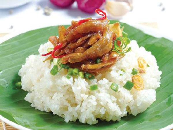 Ăn sáng ở Nha Trang với xôi cá kho