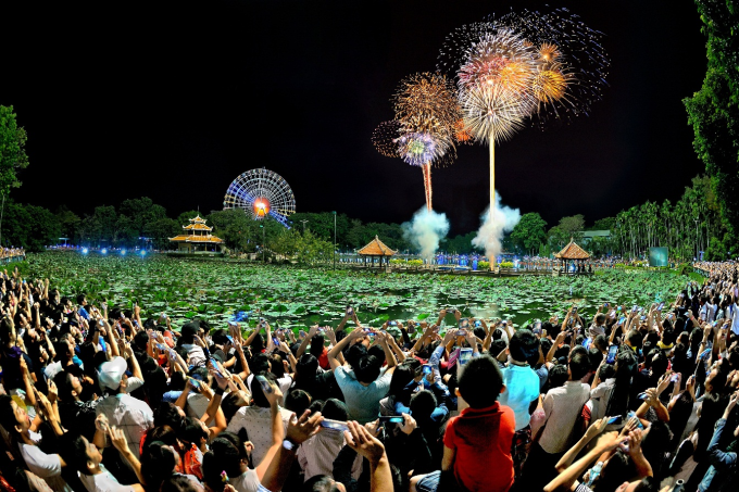 Loạt sự kiện ý nghĩa tại Công viên Văn hóa Đầm Sen mừng lễ 30/4 - 10