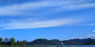 24h ở bãi biển vắng đẹp như tranh ở Quảng Ngãi