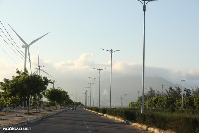 Cánh đồng điện gió Quy Nhơn thành điểm 'sống ảo' mới