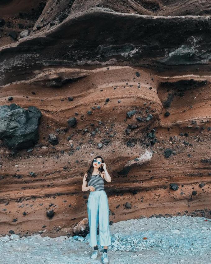 Vách đá khổng lồ có sức hút kì lạ. Ảnh: thaoduong132